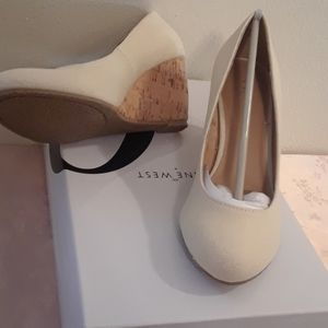 New in Box Size 6 Beige Wedges Nine West